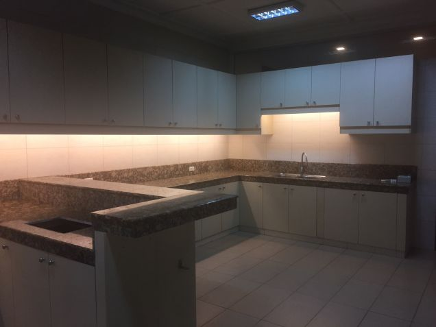 House for rent in South Forbes, Makati City - 5