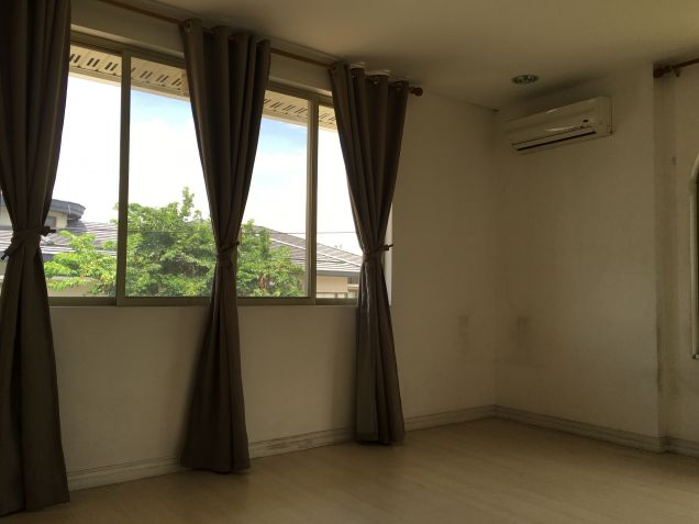 Palatial House in Valle Verde for Rent - 2