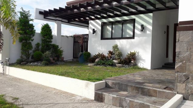 Three Bedroom Fully Furnished House and Lot with Swimming Pool For Rent in Hensonville - 8