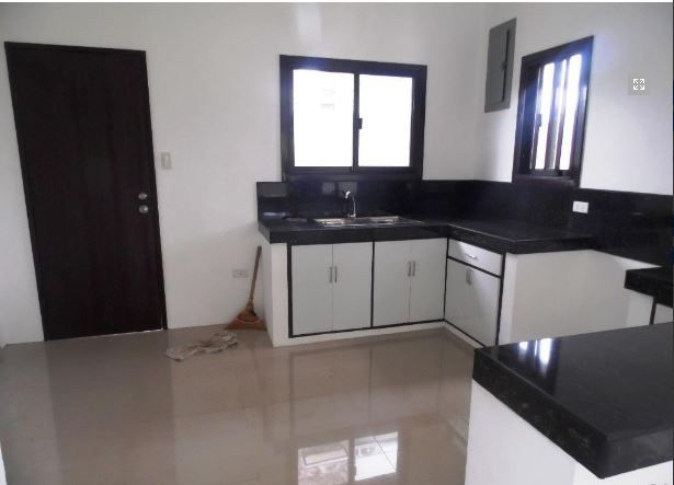 This Bungalow House with Spacious Living room at P25K - 3