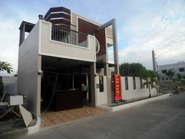 Brandnew - Modern House with 3 Bedrooms for Rent in Hensonville Angeles City - 2