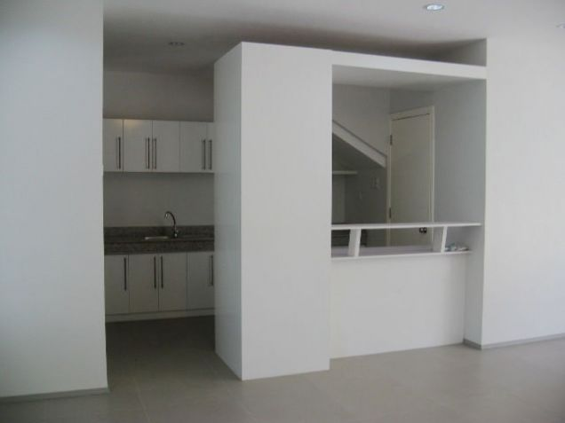 5-Bedroom BrandNew House for Office or Residential in Banilad Semi-furnished - 8