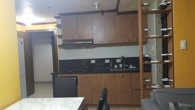 Ridgewood towers 2 bedroom fully furnished resale C5 taguig - evelyn - 0