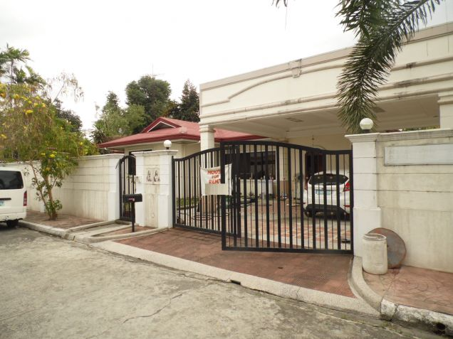 4 Bedroom Spacious Bungalow House with Big yard for Rent in Angeles City - 9