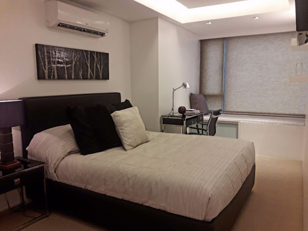 1BR For Sale in Ayala Avenue, Makati - 2