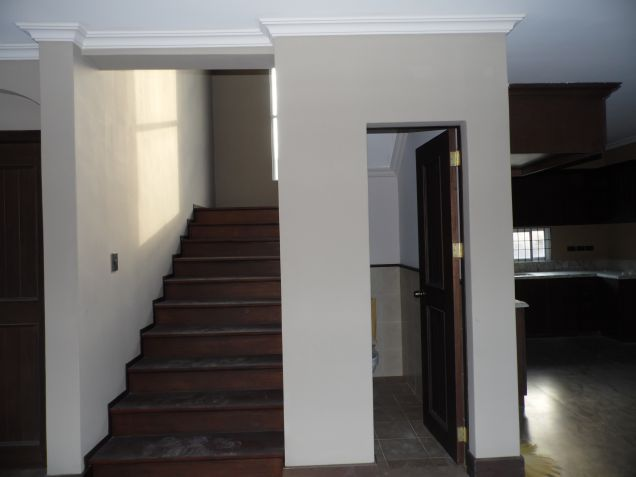 Unfurnished 3 Bedroom House and Lot with Big Yard in Friendship - 5
