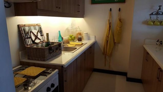 Cheap 1BR Ready to Move-in 10percent Downpayment near SM North Trinoma LRT MRT - 8