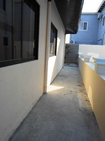 Bungalow house with 3BR near koreantown for rent - 30K - 4