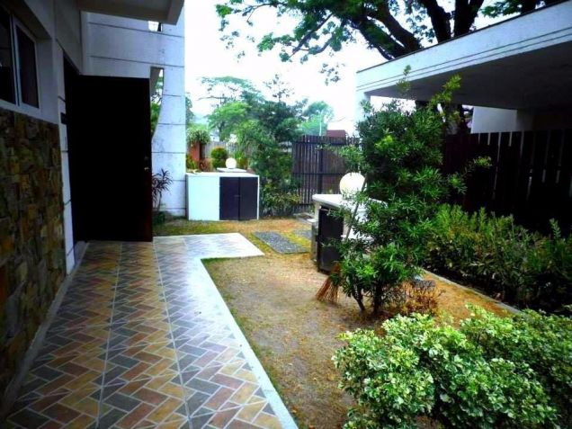 For Rent House In Clark Pampanga With 3 Bedrooms - 1
