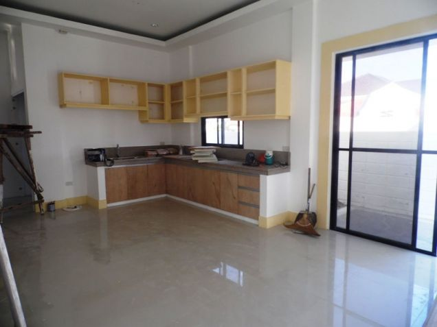 Fully Furnished 3 Bedroom House near SM Clark for rent - 45K - 5