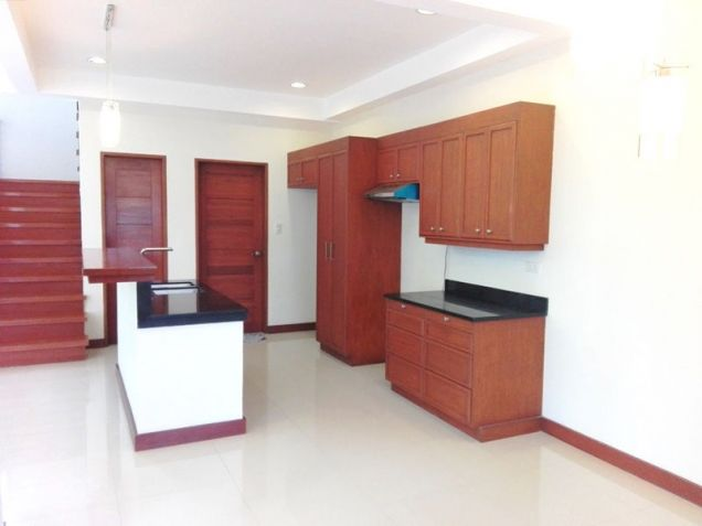 4 Bedroom House with Swimming pool for rent - 70K - 8