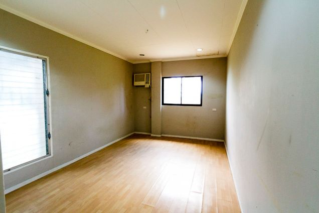 Large 5 Bedroom House for Rent in Maria Luisa Park - 2