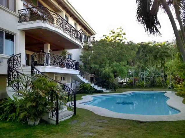 5 Bedroom House for Rent with Swimming Pool in Maria Luisa Estate Park - 1