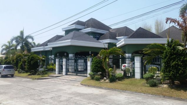 6Bedroom W/Private Swimmingpool House & Lot For RENT In Angeles City.. - 0