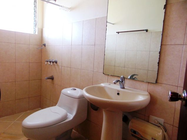 House for Rent in Banilad, Cebu City, 4 Bedrooms - 2