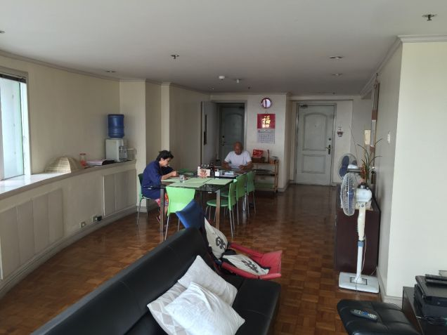 Pioneer Highlands Mandaluyong Three Bedroom for Sale with Balcony - 4