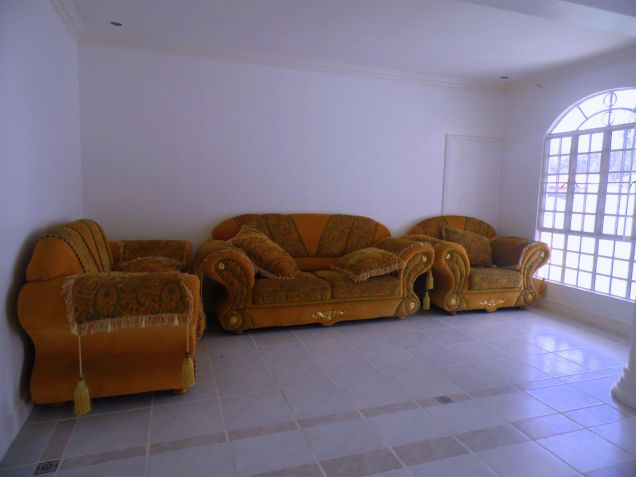 House and Lot for rent with 5BR and Swimming pool - 90K - 9