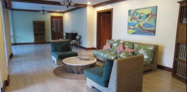 For Rent Five Bedrooms House with Pool in Maria Luisa Estate Park - 4