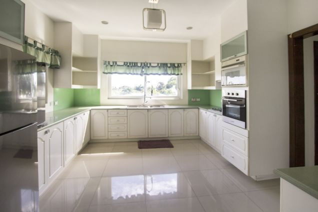 5 Bedroom House for Rent in Maria Luisa Park - 9