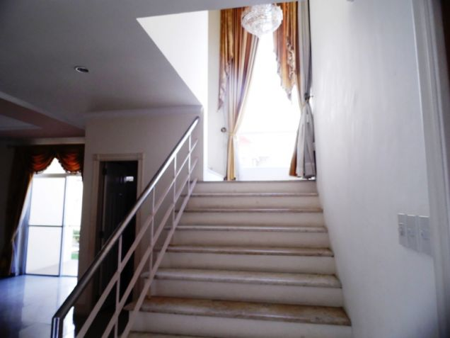 2-StoreyFurnished House & Lot For Rent In Hensonville Angeles City W/Golf Course ,Lawn Bowling Ect. - 3