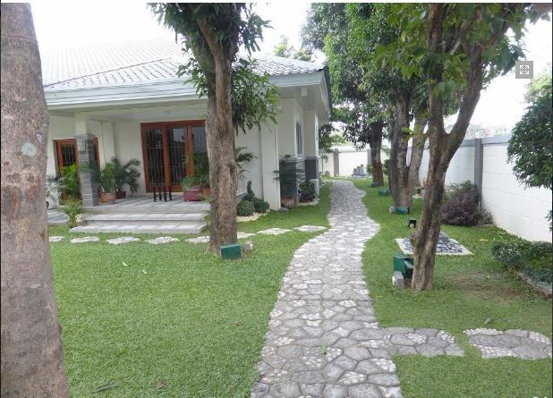 1 Storey House with Nice Landscaped yard for rent - 45K - 9