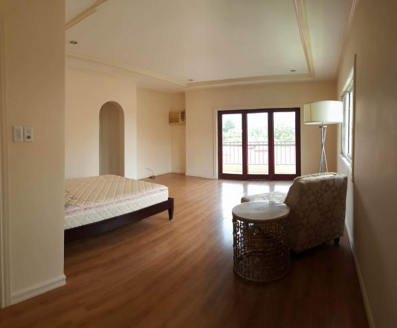 For rent 4 bedroom house in Mandaue - 1