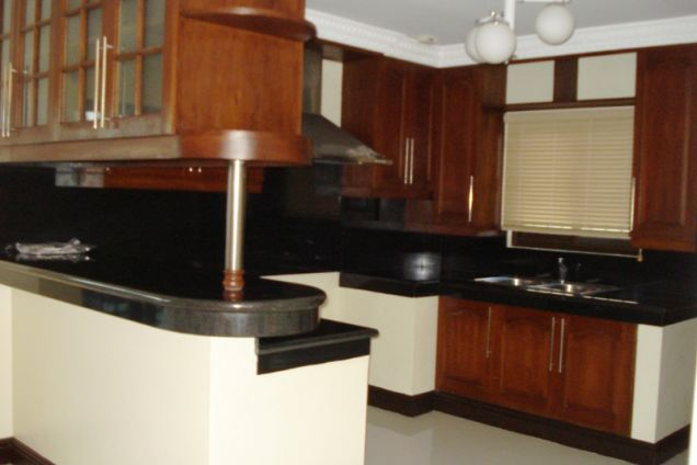 4 Bedroom Semi-furnished House and Lot for Rent in Angeles City - 4