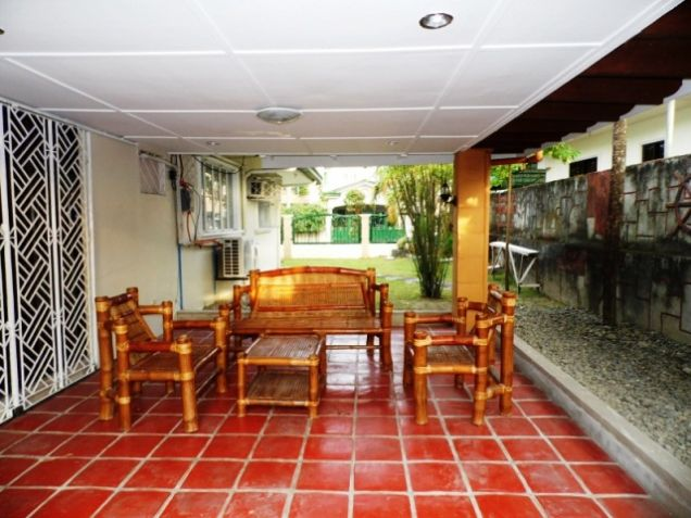 Bungalow House w/ Spacious yard for rent in Angeles City, Pampanga @P50K - 4