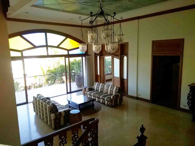 5 Bedroom House for Rent with Swimming Pool in Maria Luisa Estate Park - 0