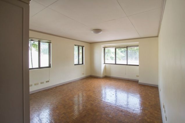 Unfurnished 4 Bedroom House for Rent in Maria Luisa Park - 5