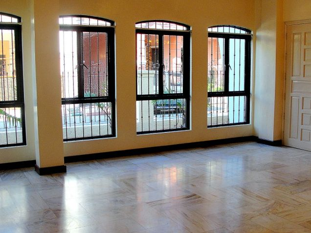 VAA Homes Las Pinas near Perpetual 3-bedroom bungalow for rent - 4