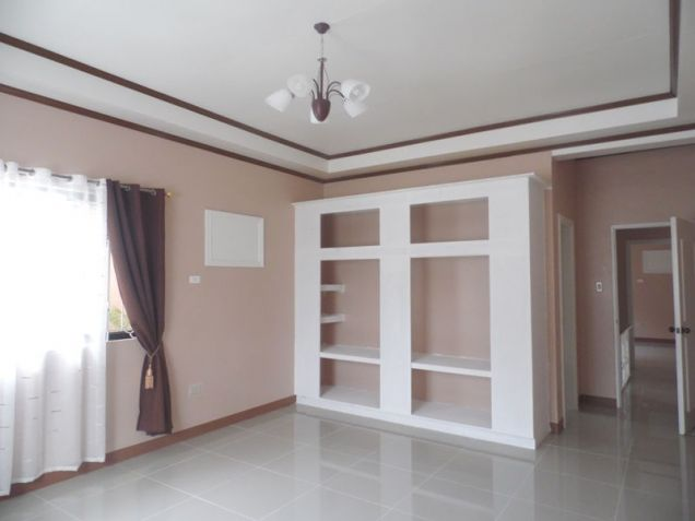Spacious Bunglow House with 3 Bedrooms for rent - 50K - 9