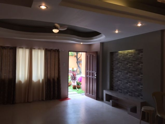 Townhouse, 3 Bedrooms Unfurnished for Rent in  Lapu-lapu City - 2