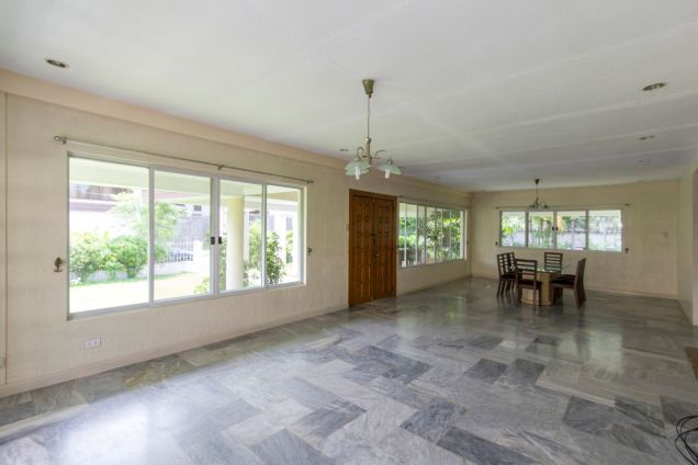 Semi-Furnished Spacious House for Rent in Maria Luisa Park - 1