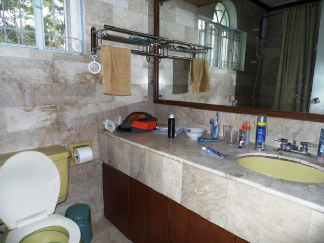Bungalow House w/ Spacious yard for rent in Angeles City, Pampanga @P50K - 7