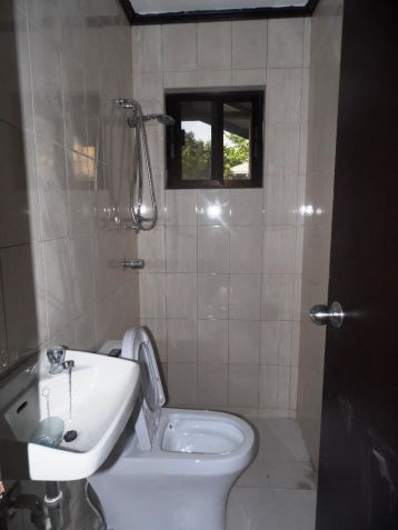 Bungalow house and lot for rent with 3BR in Angeles - 35K - 7