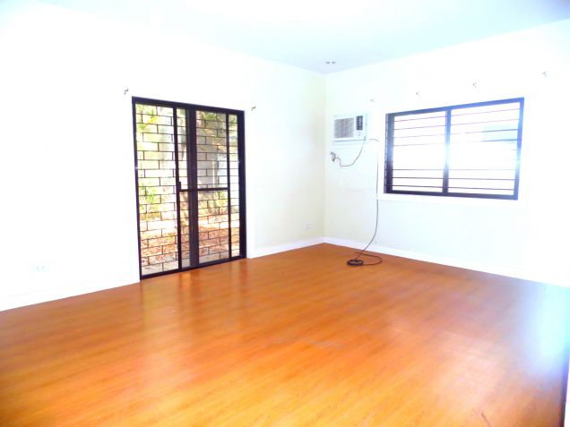 Bungalow House For Rent In Angeles City With 3 Bedrooms - 5