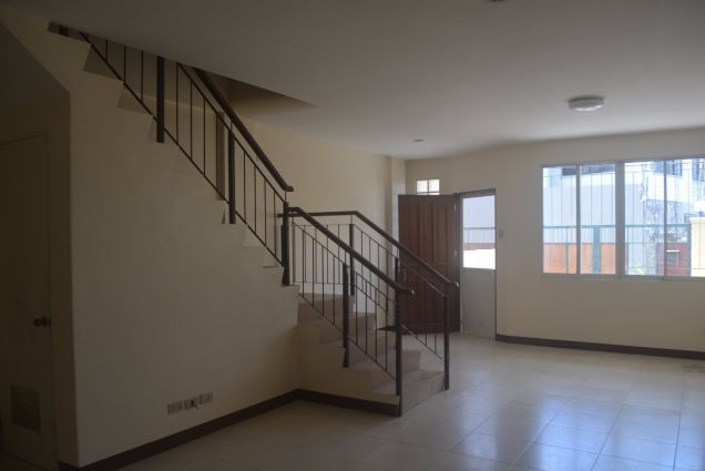 Corner townhouse unfurnished with 3 bdrms near UP and Jy square P28K - 7