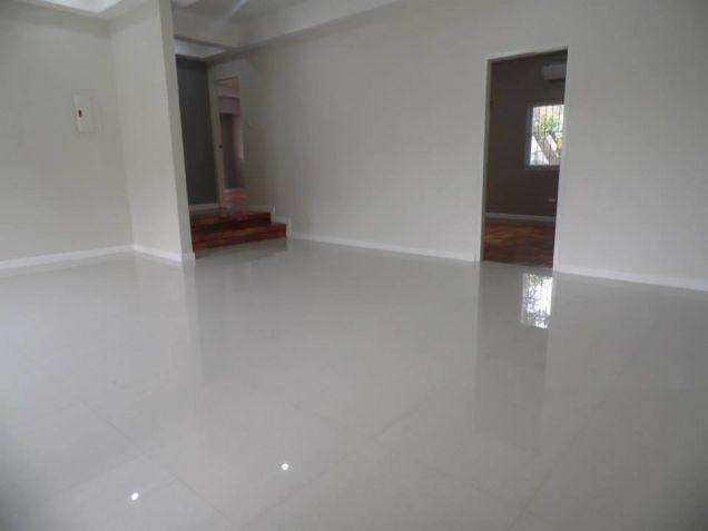Big yard with 4BR for rent in Angeles City - 55K - 5