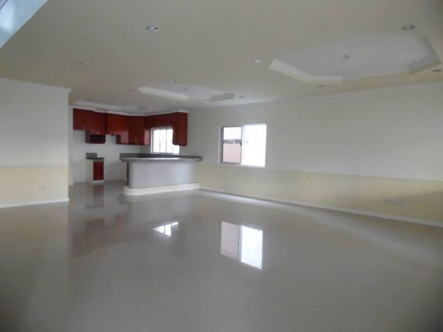 3 Bedroom House With Spacious Rooms For Rent In Angeles City - 2