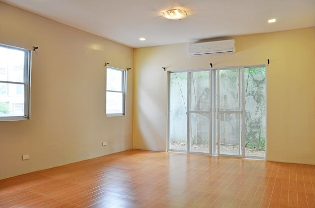 Banilad 4 Bedrooms Bungalow House in Exclusive Subdivision unfurnished, P100K - 5