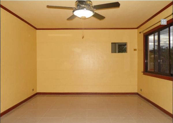 Bungalow House with 3 Bedroom for rent near SM Clark @ 38k - 5