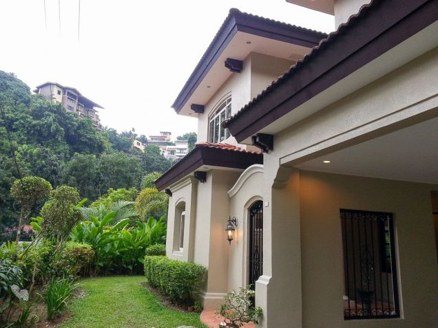 Spacious 4 Bedroom House with Swimming Pool for Rent in Maria Luisa Cebu - 3