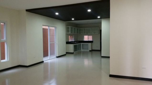 4 Bedroom Duplex House for Rent in Friendship , Angeles City - 1