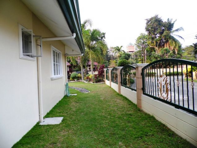 Corner Lot w/ Huge Yard House & Lot For RENT In Friendship Angeles City - 2