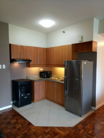 FOR SALE 2 BR in Fifth Avenue , BGC,Taguig City - 6