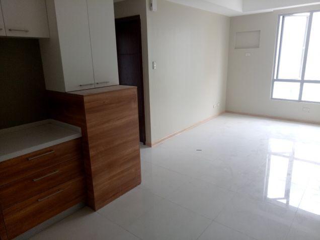 Very affordable and Furnished Pre-Selling 1 Bedroom Unit  8,000 monthly - 4