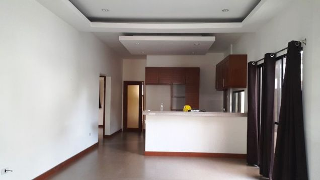 3 bedrooms for rent near SM Clark - P 35K - 8
