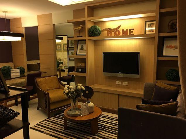 Promo 10percent in 6 months 1 bedroom Condo Unit in EDSA near Munoz SM North LRT - 0