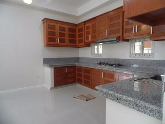 4 Bedroom Spacious Bungalow House and Lot for Rent in Angeles City - 8